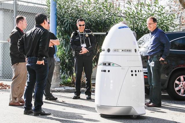 Microsoft-Here-come-the-autonomous-robot-security-guards-dalek-drwho