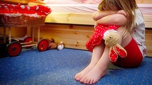 Vater schwängert Tochter Kindsmissbrauch eines 12 Jahre alten jungen Mädchens