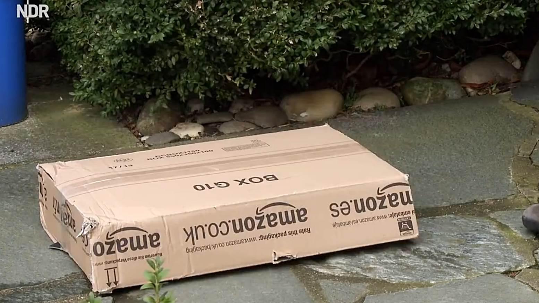 Amazon verschickt Pakete mit Kanonen. Paketwerfer als neue Inovation