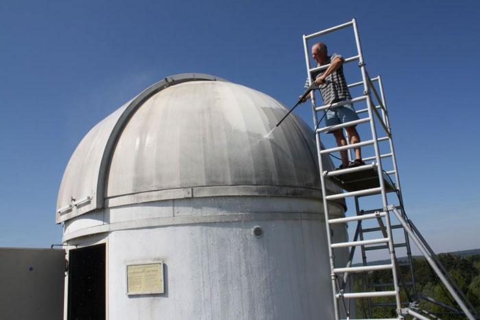 Professor verwandelt Observatorium in R2D2