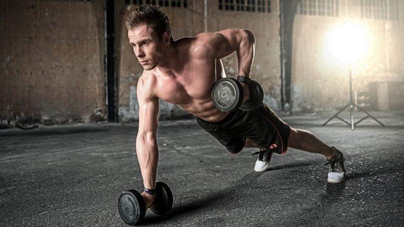 Brust & Trizeps Split Workout für zu Hause – Kurzhantel Training