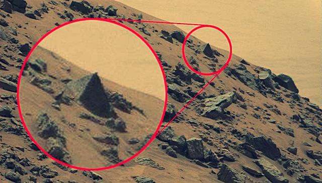 Curiosity-Rover-entdeckt-Pyramiden-Mars-Roten-Planeten-1