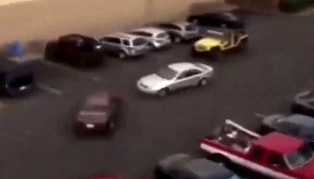 Jeep- Fahrer rächt sich an Parklücken- Dieb