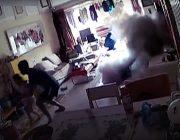 Elektro-Roller explodiert in Wohnzimmer Familie in China kam mit dem Schrecken davon Wohnzimmer verwüstet