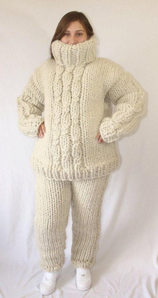 Winter Strickmode XXL toller Turtleneck Sweater aus Wolle. Der Winter kann kommen.