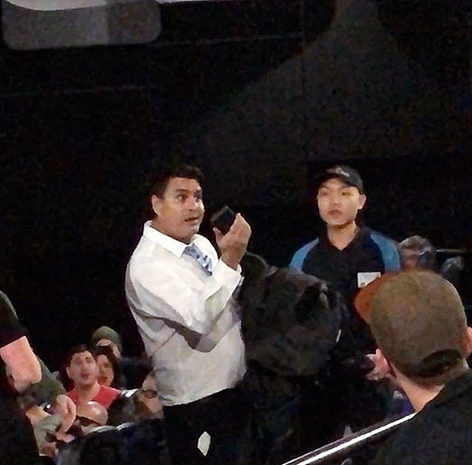 Star Wars Fan im Kino verprügelt weil er während der Vorstellung aufs Smartphone schaute
